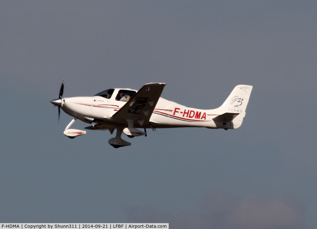 F-HDMA, Cirrus SR22 G3 GTS C/N 2719, Participant of the LFBF Airshow 2014 - Demo aircraft