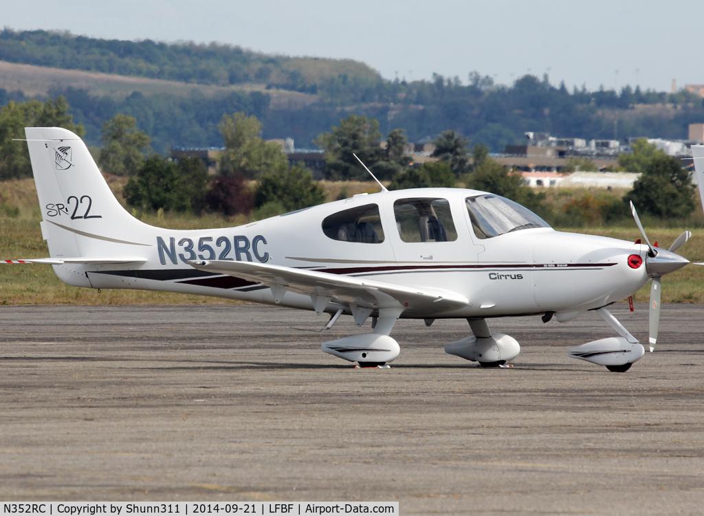 N352RC, 2002 Cirrus SR22 C/N 0186, Participant of the LFBF Airshow 2014 - Demo aircraft