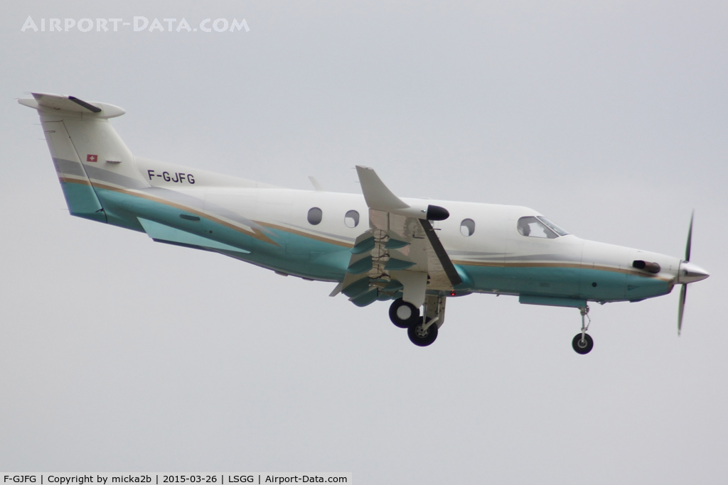 F-GJFG, 1999 Pilatus PC-12/45 C/N 256, Landing