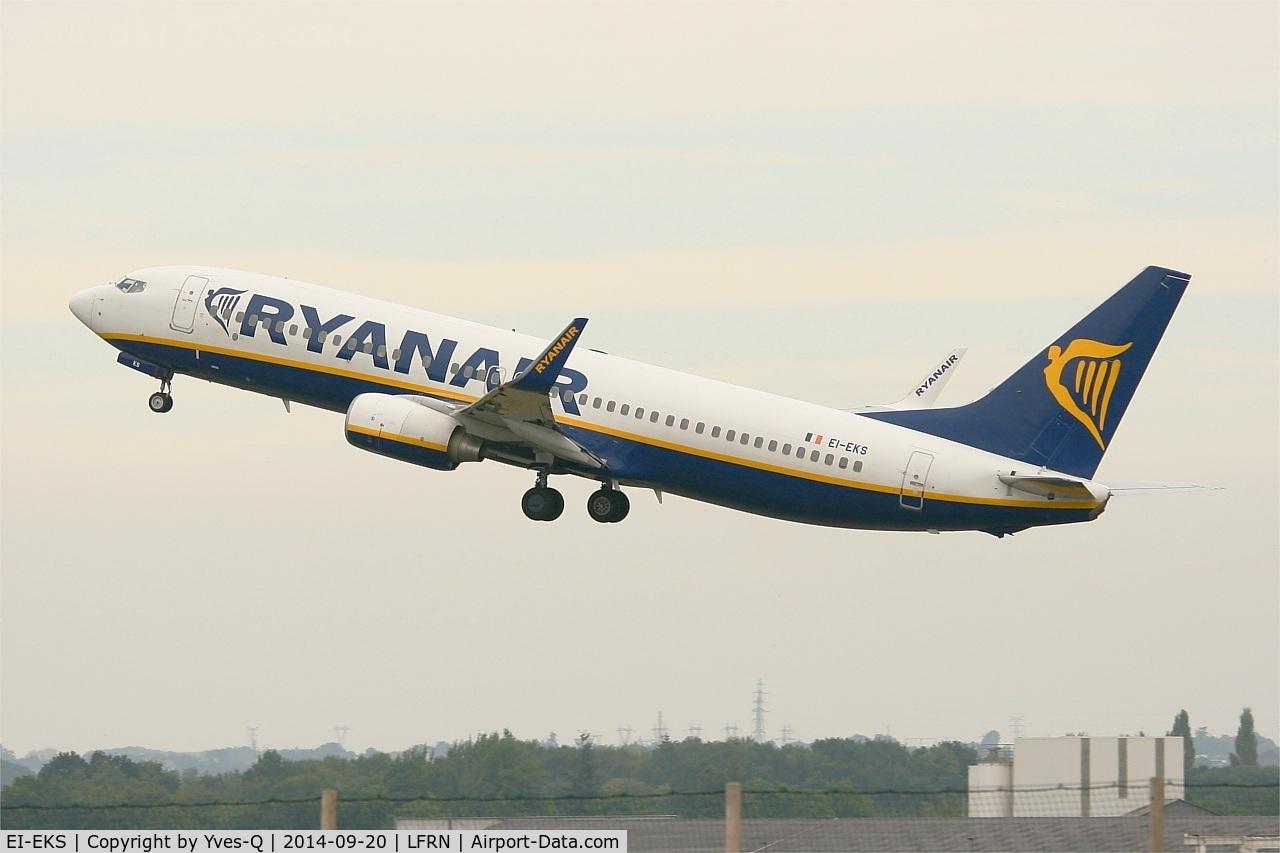 EI-EKS, 2010 Boeing 737-8AS C/N 38504, Boeing 737-8AS, Take off rwy 28, Rennes-St Jacques airport (LFRN-RNS)