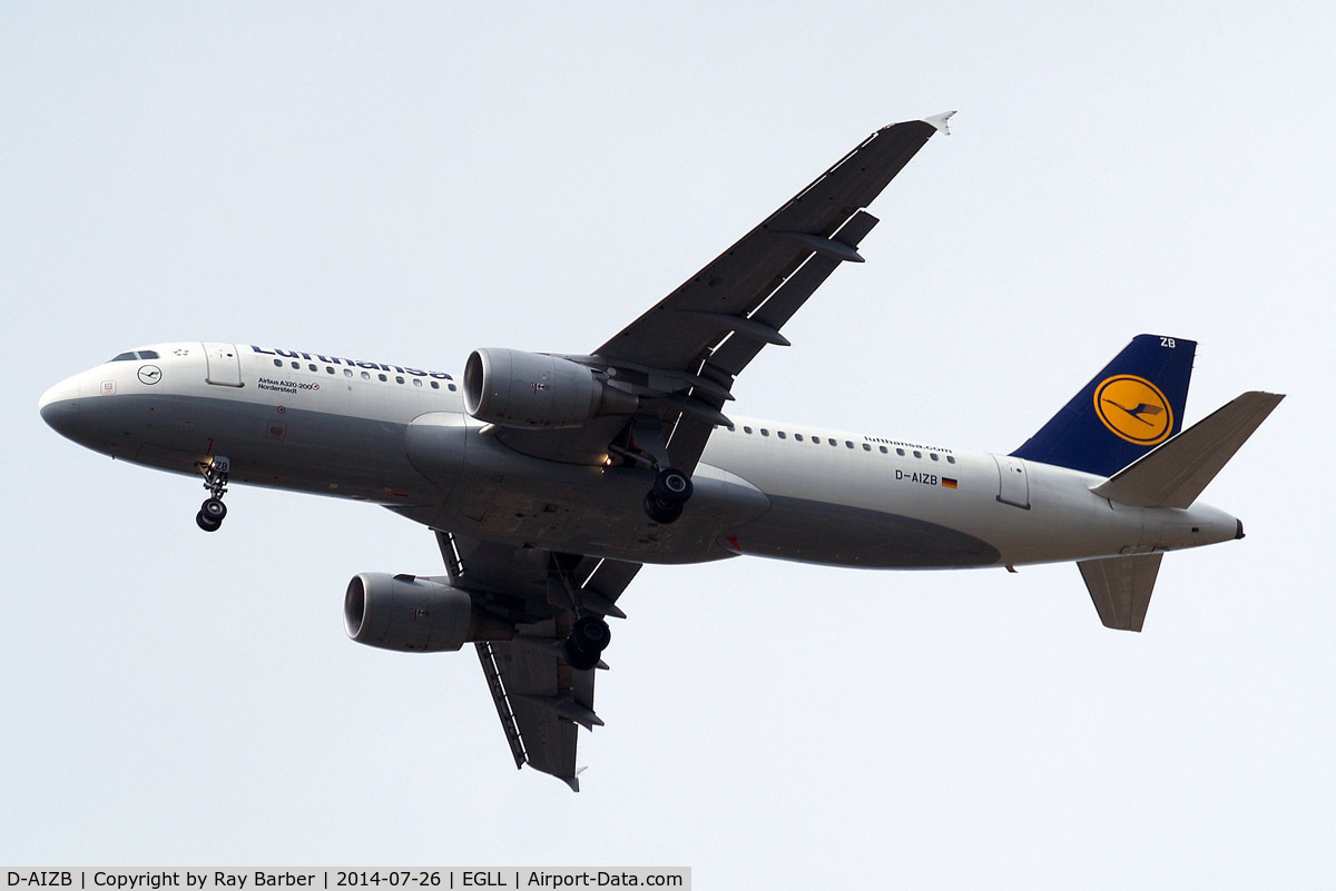D-AIZB, 2009 Airbus A320-214 C/N 4120, Airbus A320-214 [4120] (Lufthansa) Home~G 26/07/2014. On approach 27R.