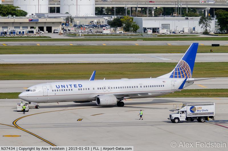 N37434, 2009 Boeing 737-924/ER C/N 33528, Ft. Lauderdale