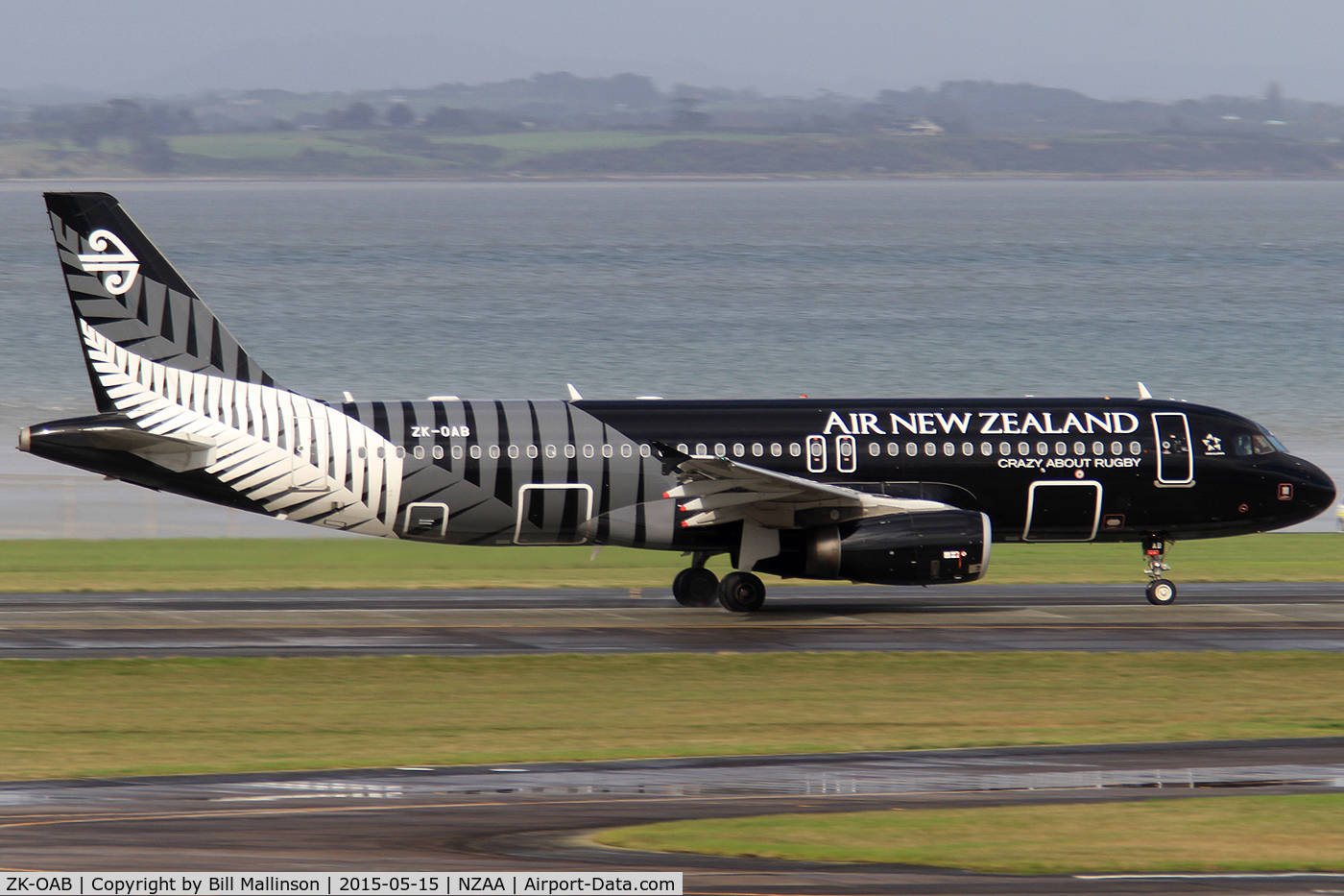 ZK-OAB, 2010 Airbus A320-232 C/N 4553, rolling on 23 for WLG