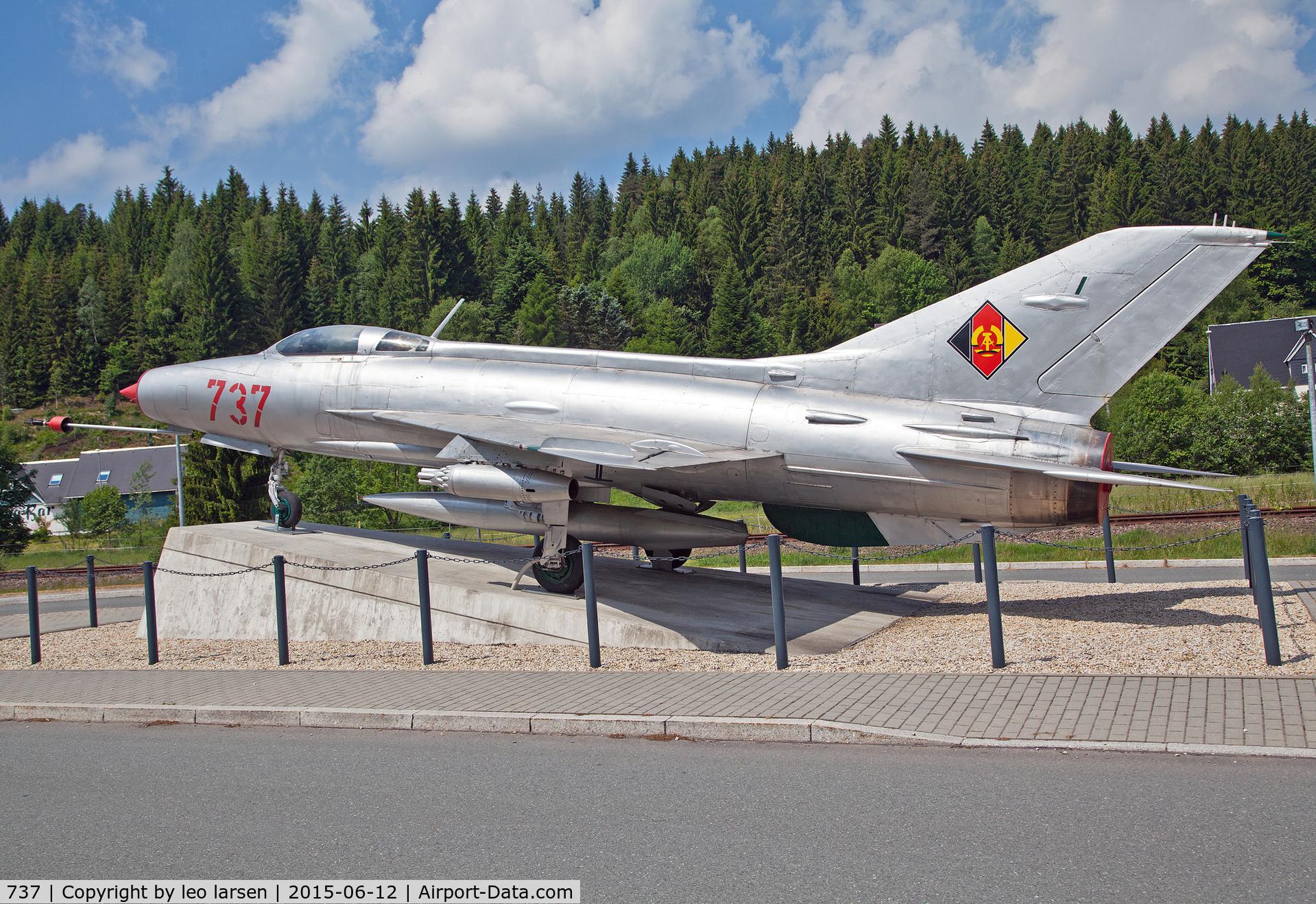 737, 1964 Mikoyan-Gurevich MiG-21F-13 C/N 74 1608, Deutsche Raumfahrtaustlllung Morgenröthe-Rautenkranz 12.6.15