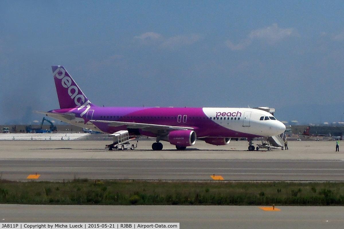 JA811P, 2013 Airbus A320-214 C/N 5874, At Kansai