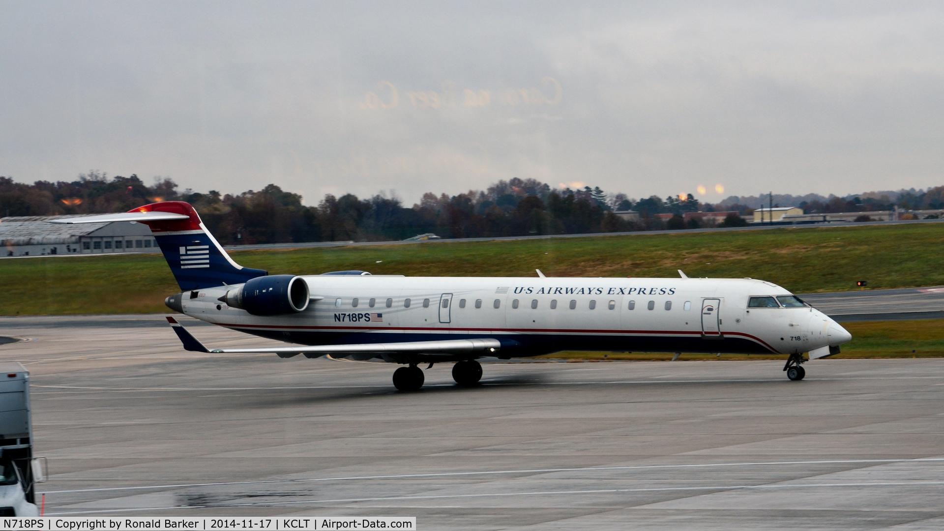 N718PS, 2004 Bombardier CRJ-701 (CL-600-2C10) Regional Jet C/N 10175, Taxi CLT