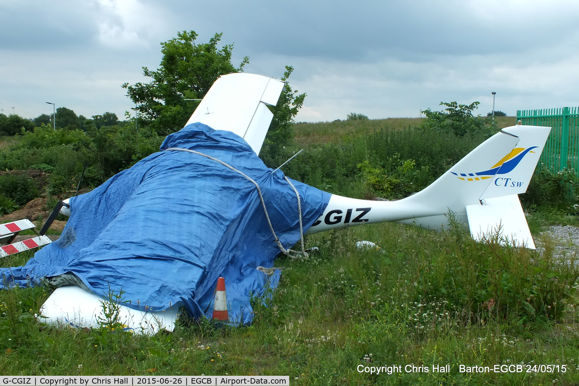 G-CGIZ, 2010 Flight Design CTSW C/N 8512, wreackage of CGIZ which crashed on landing at Barton