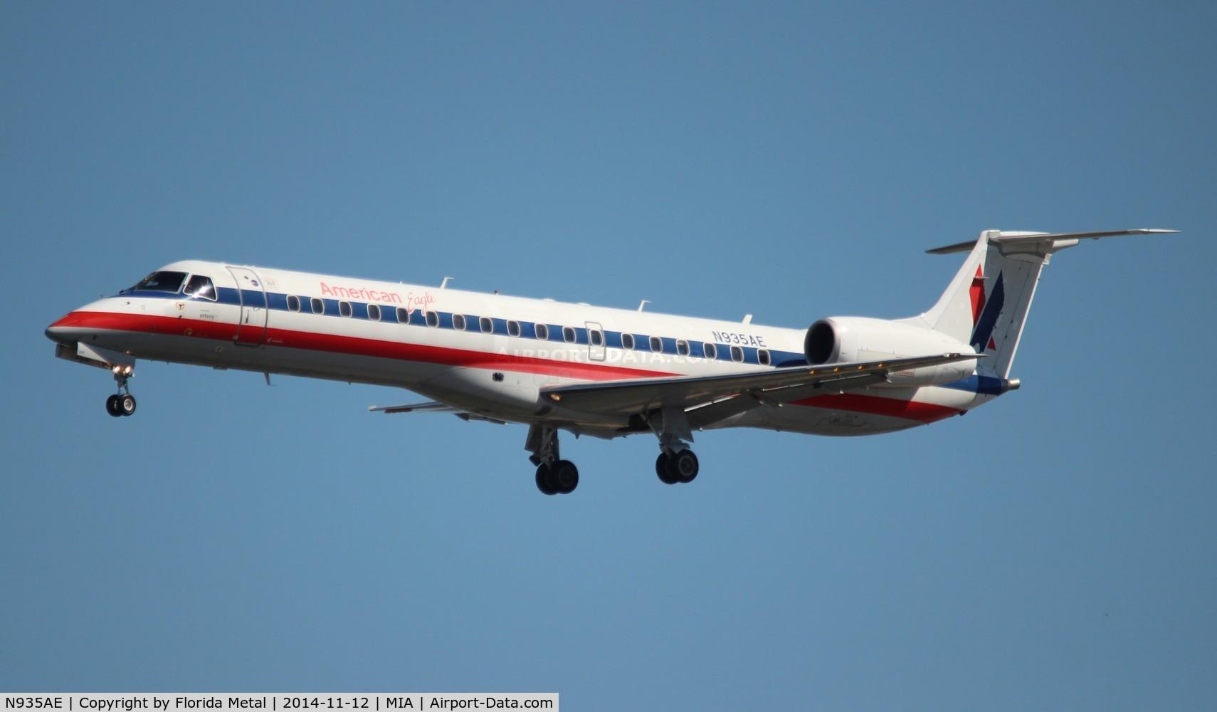 N935AE, 2005 Embraer ERJ-145LR (EMB-145LR) C/N 14500920, American Eagle