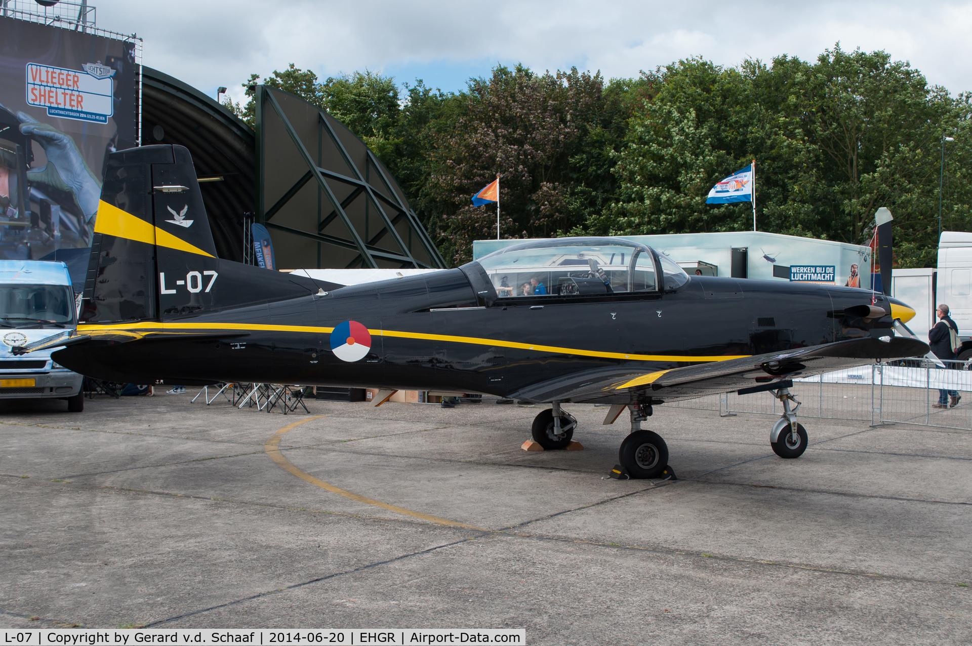 L-07, Pilatus PC-7 Turbo Trainer C/N 544, Gilze-Rijen, June 2014
