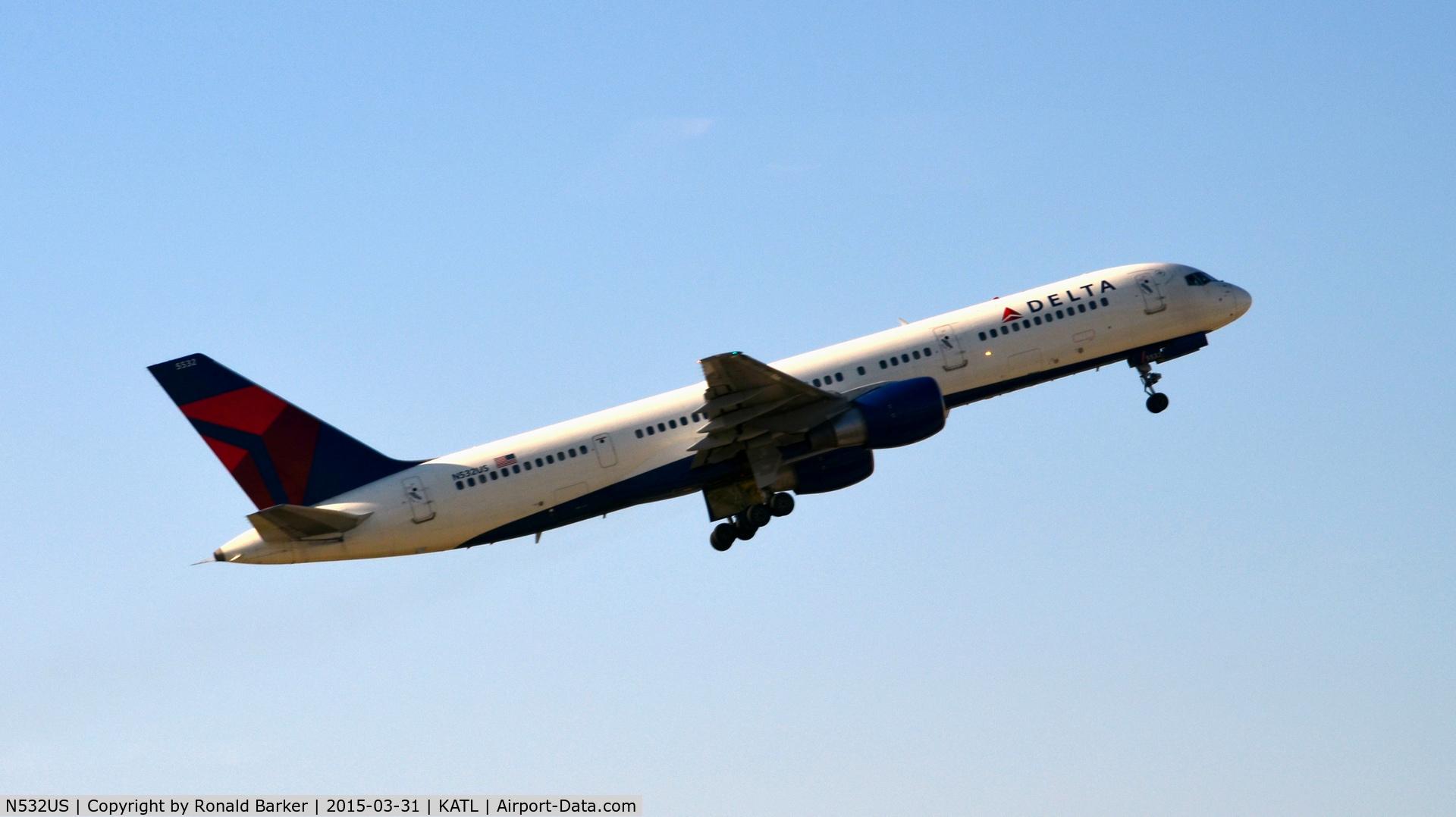 N532US, 1988 Boeing 757-251 C/N 24263, Takeoff Atlanta