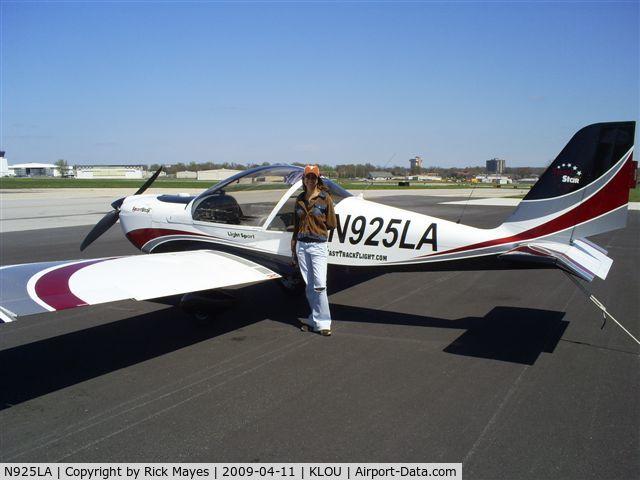 N925LA, 2007 Evektor-Aerotechnik SPORTSTAR PLUS C/N 20070925, Before our flight in Louisville 2009