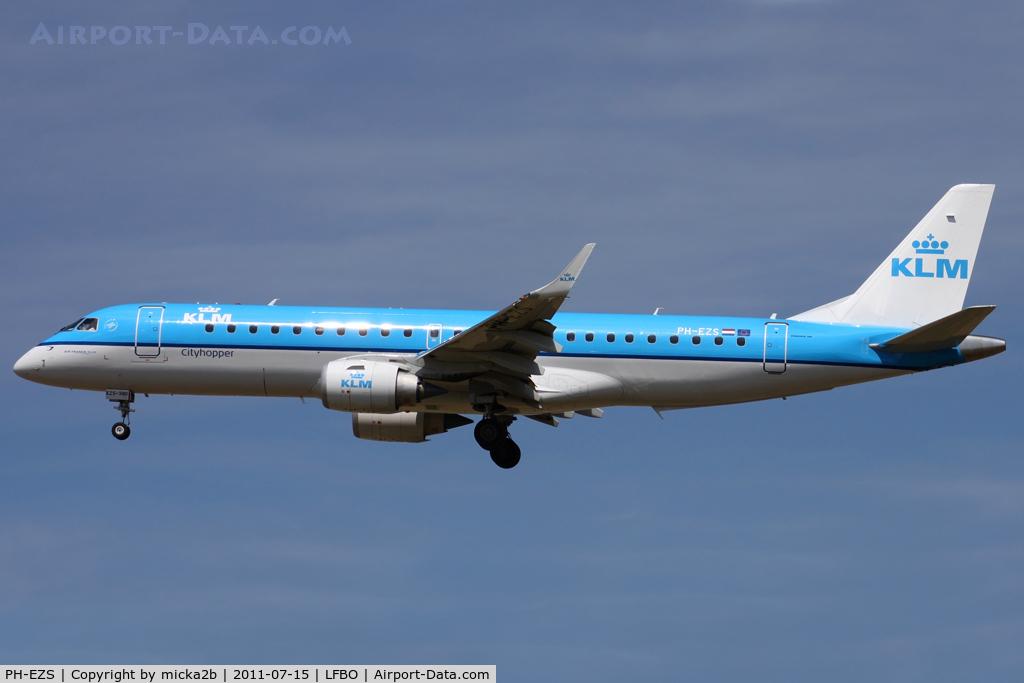 PH-EZS, 2010 Embraer 190LR (ERJ-190-100LR) C/N 19000380, Landing