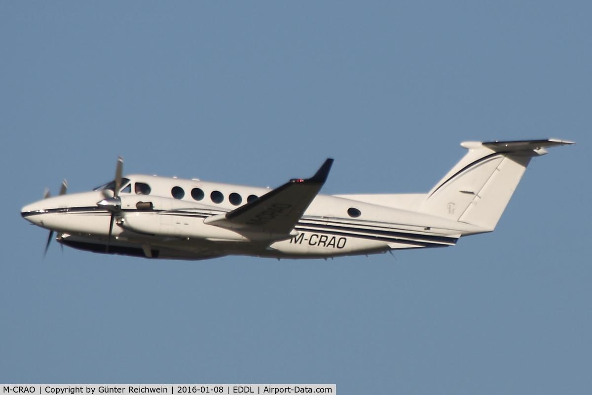 M-CRAO, 2007 Raytheon Aircraft Company B300 C/N FL-515, Climbing