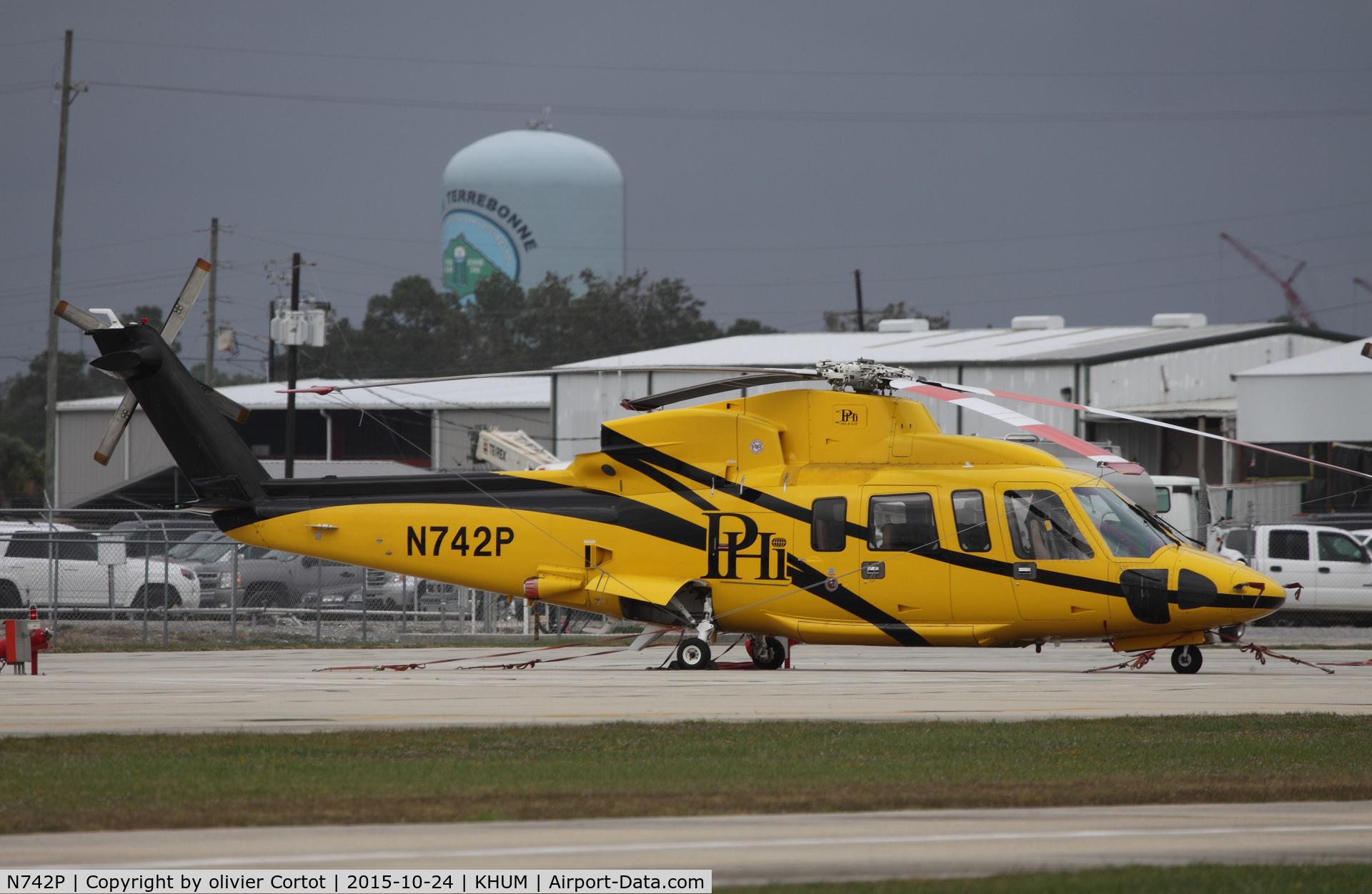 N742P, Sikorsky S-76C-2 C/N 760607, Houma, LA