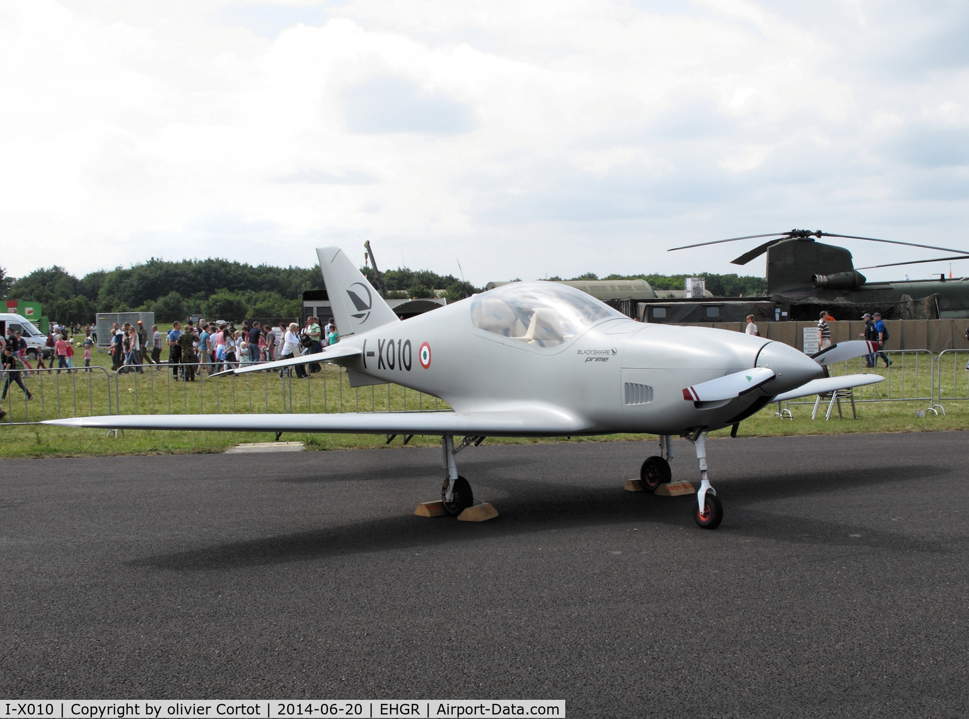 I-X010, 2014 Blackshape Prime BS-100 C/N BPU018-14, airshow 2014