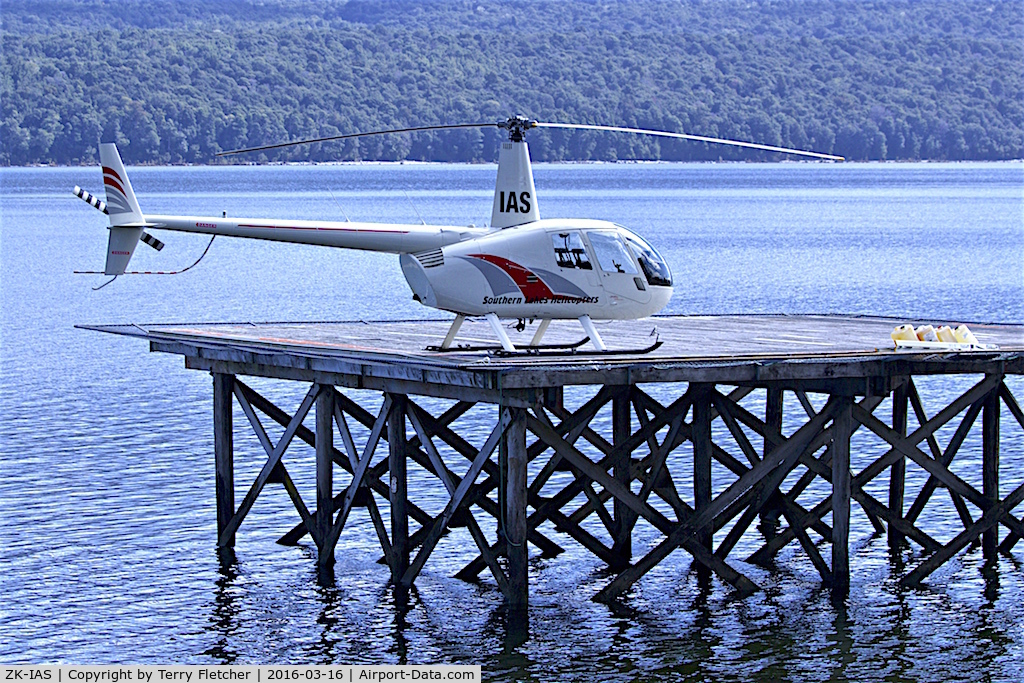 ZK-IAS, Robinson R22 Beta C/N 1891, At the Heliport by the side of Lake Te Anau