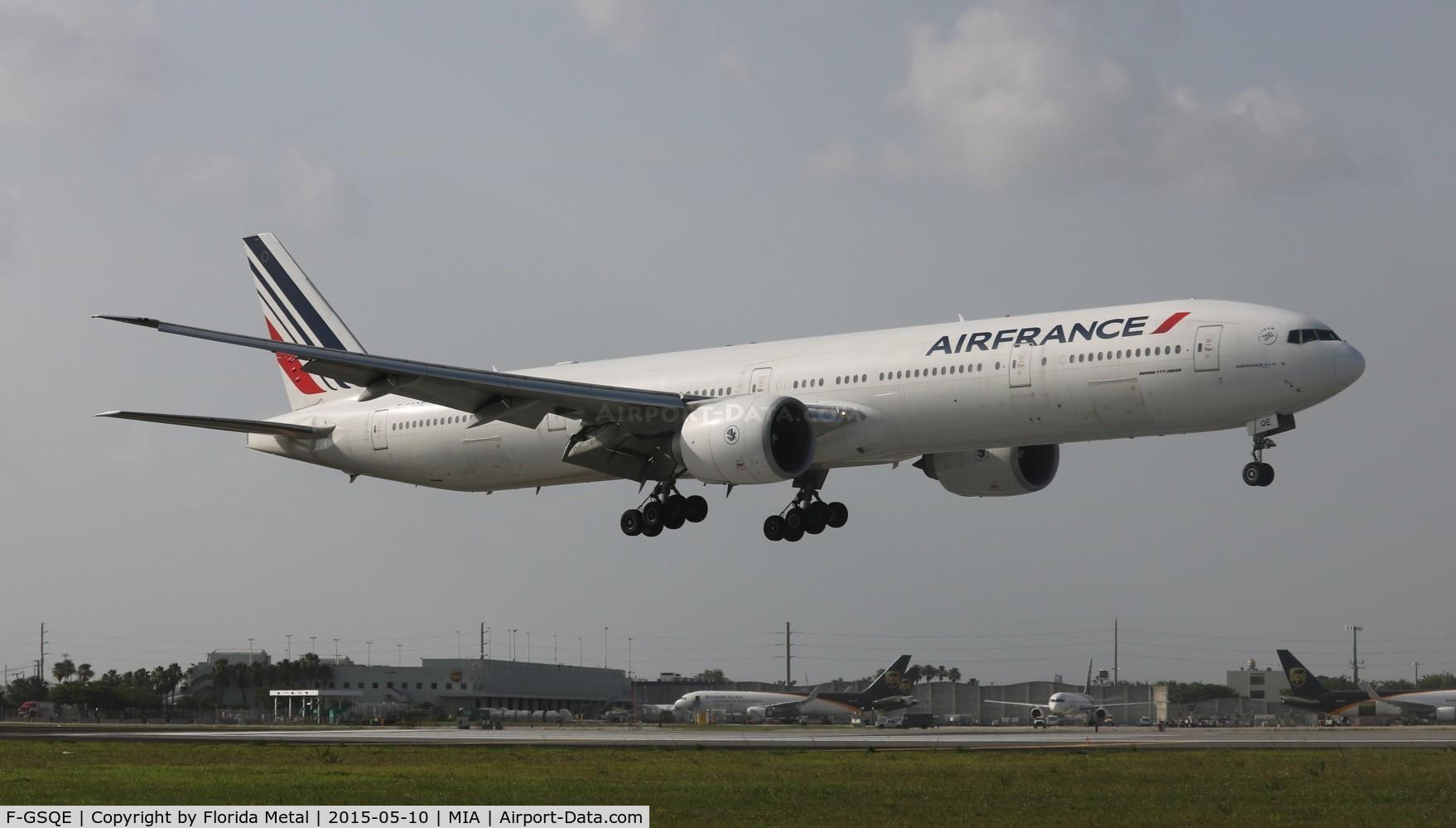 F-GSQE, 2004 Boeing 777-328/ER C/N 32851, Air France