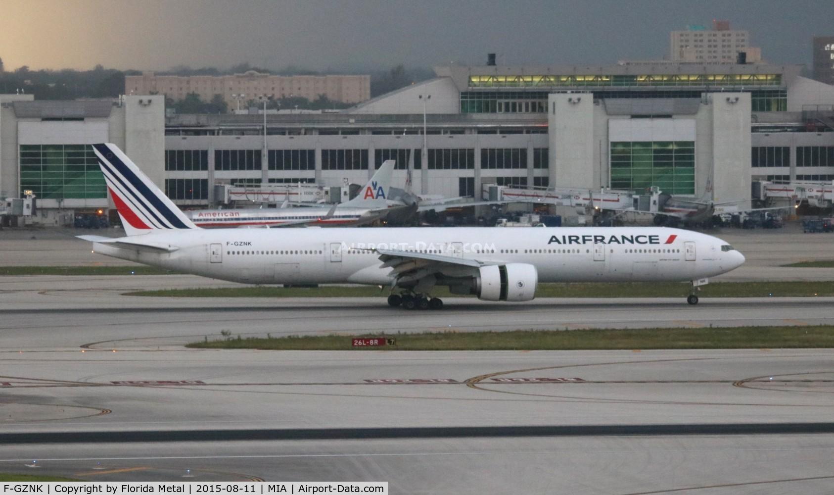F-GZNK, 2011 Boeing 777-328/ER C/N 39971, Air France