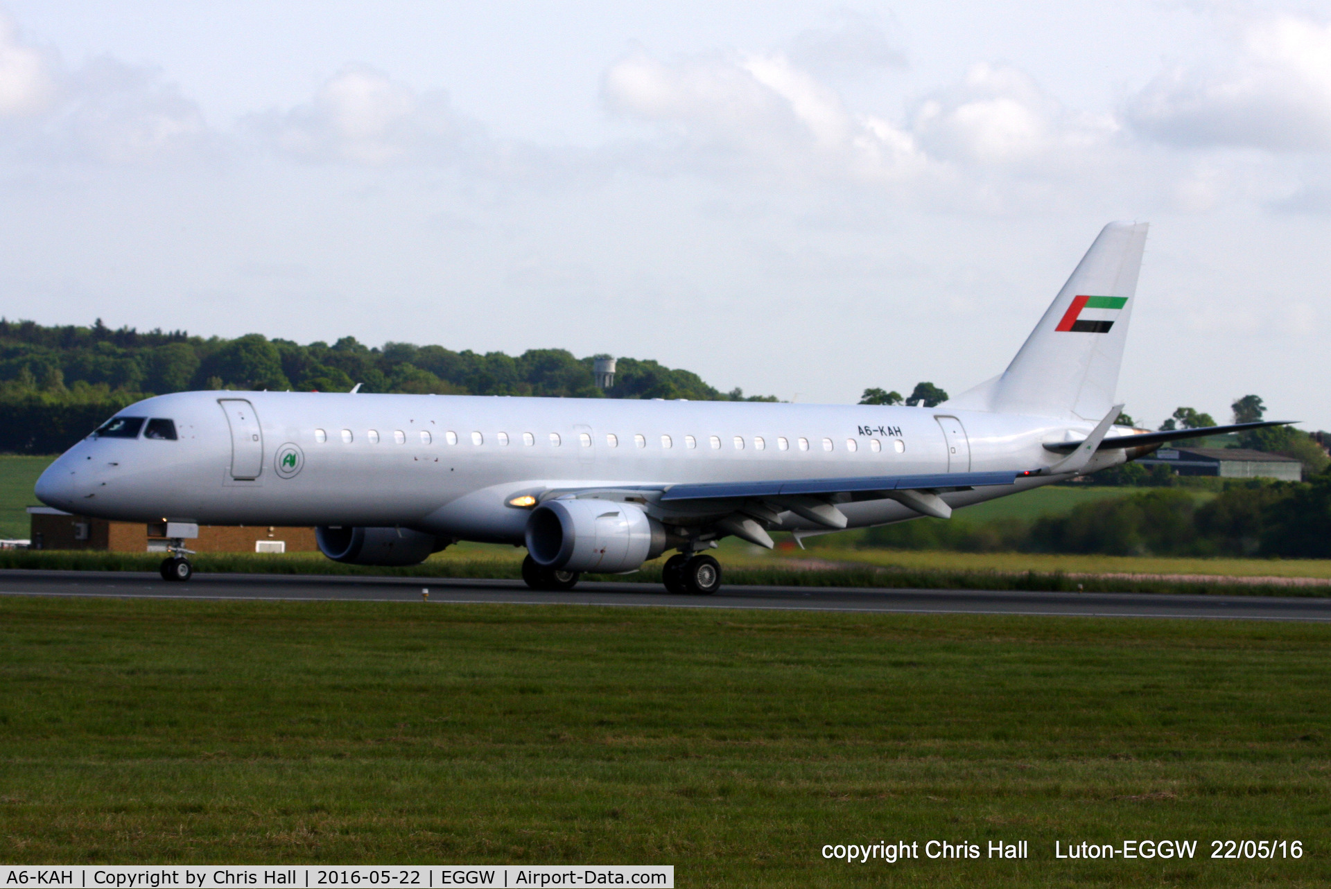 A6-KAH, 2010 Embraer ERJ-190-100ECJ Lineage 1000 C/N 19000236, Royal Jet