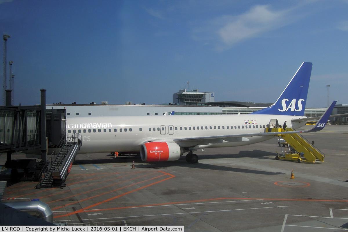 LN-RGD, 2013 Boeing 737-86N C/N 41258, At Kastrup