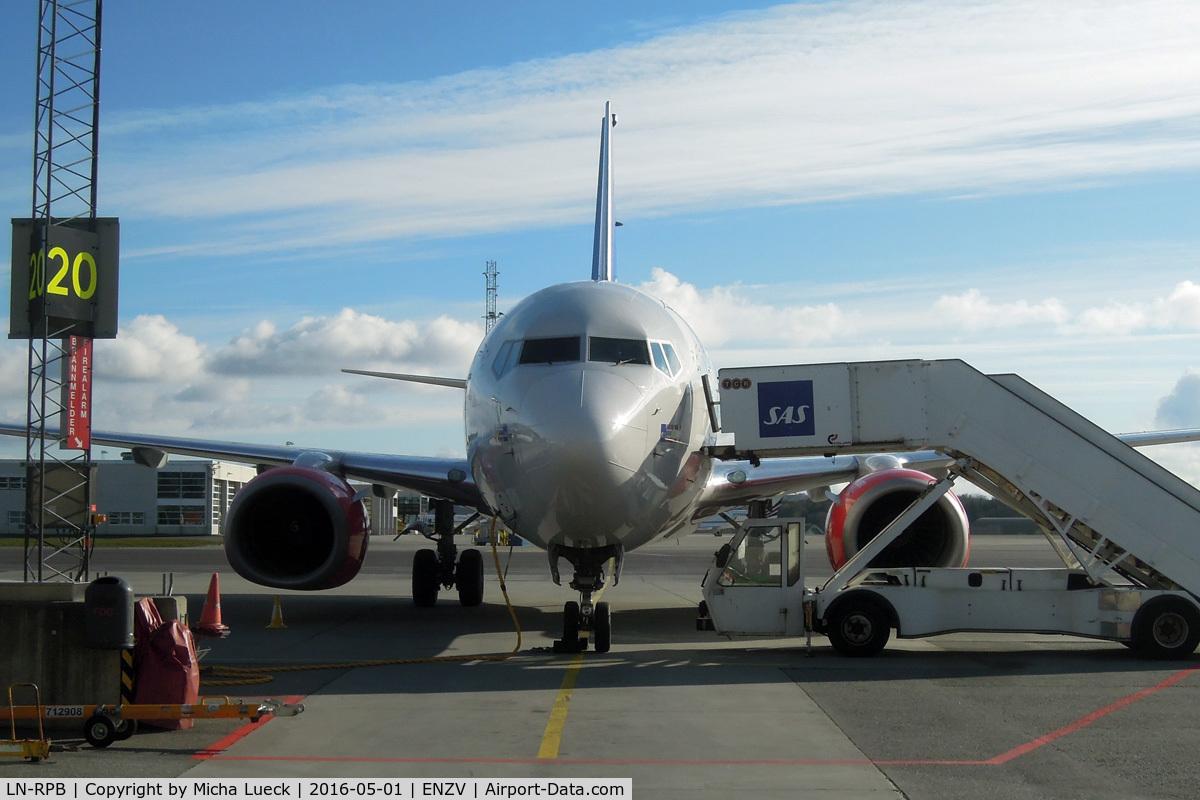 LN-RPB, 1998 Boeing 737-683 C/N 28294, At Sola