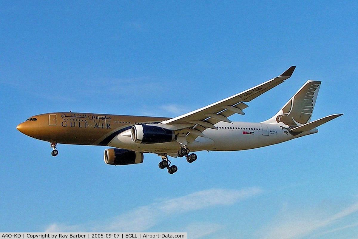 A4O-KD, 1999 Airbus A330-243 C/N 287, Airbus A330-243 [287] (Gulf Air) Heathrow~G 07/09/2005. On finals 27L.