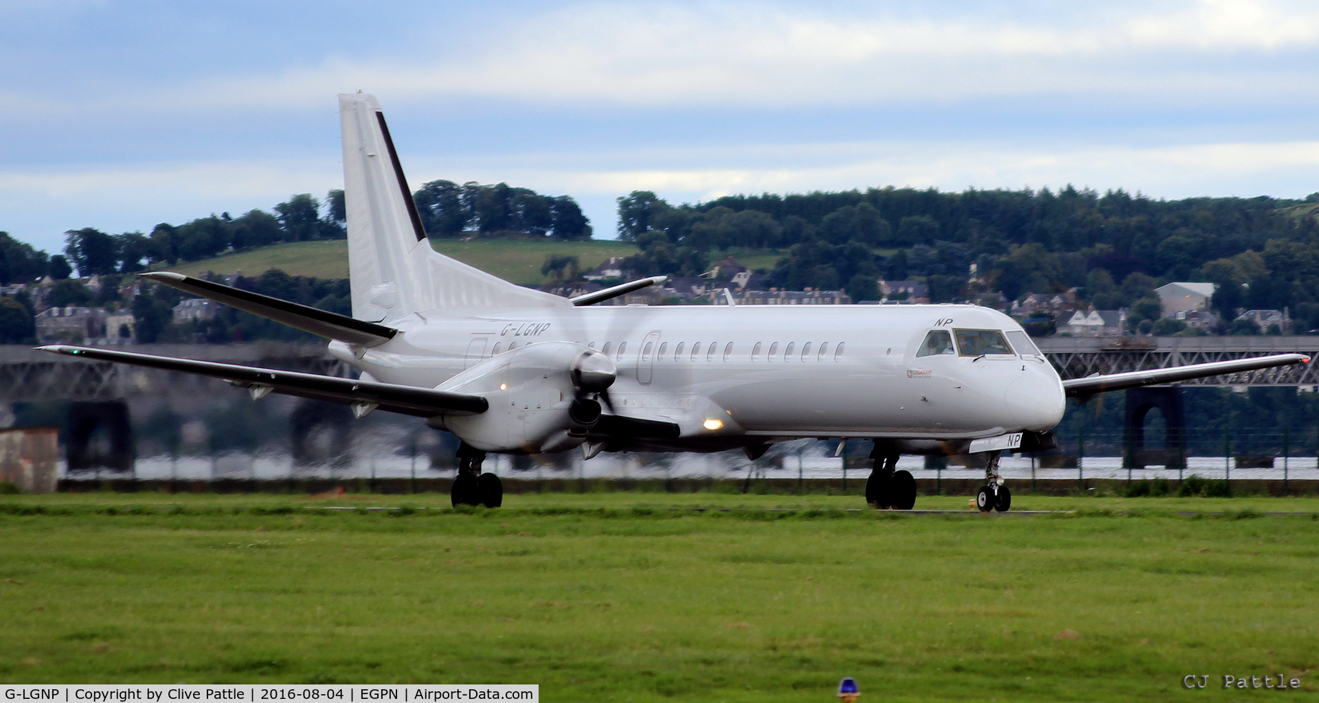 G-LGNP, 1995 Saab 2000 C/N 2000-018, Take off run at Dundee EGPN