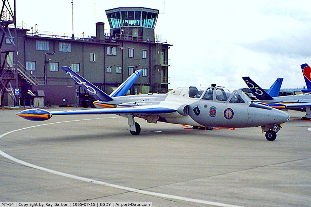 MT-14, Fouga CM-170R Magister C/N 271, Fouga CM-170R Magister [271] (Belgian Air Force) RNAS Yeovilton~G 15/07/1995
