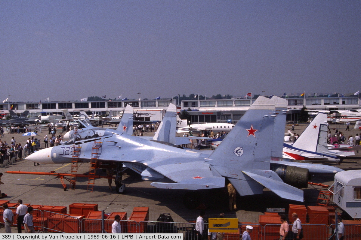 389, Sukhoi Su-27UB C/N 25389, Sukhoi Su-27UB Flanker-C fighter at Le Bourget, 1989