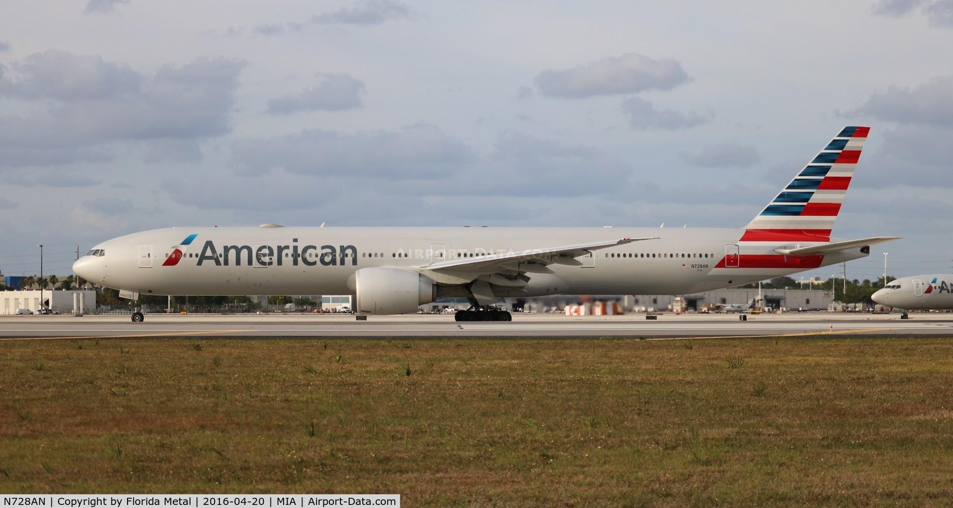 N728AN, 2014 Boeing 777-323/ER C/N 31553, American