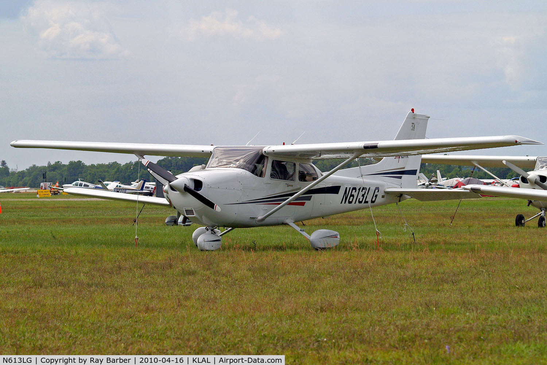 N613LG, 2002 Cessna 172S Skyhawk C/N 172S9252, Cessna 172S Skyhawk SP [172S-9252] Lakeland-Linder~N 16/04/2010