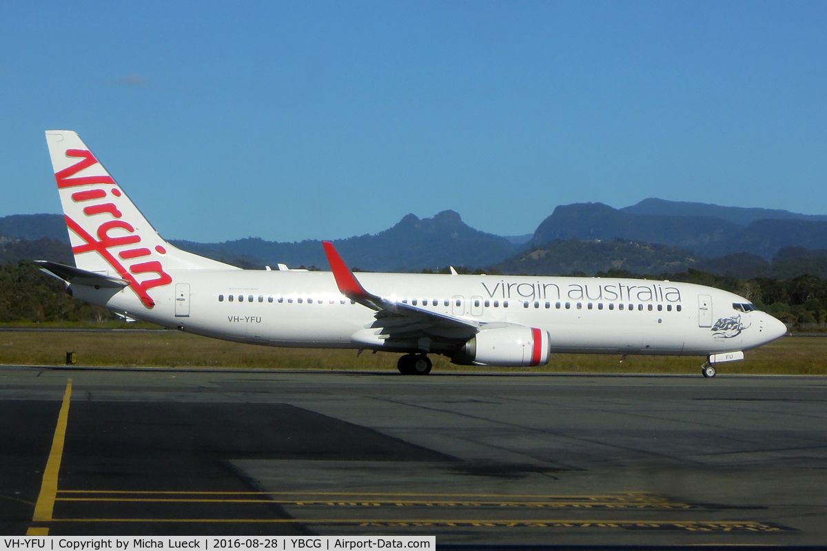 VH-YFU, 2015 Boeing 737-8FE C/N 41029, At Coolangatta