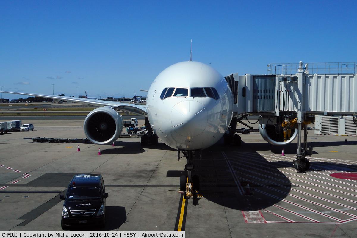 C-FIUJ, 2007 Boeing 777-233/LR C/N 35244, At Mascot