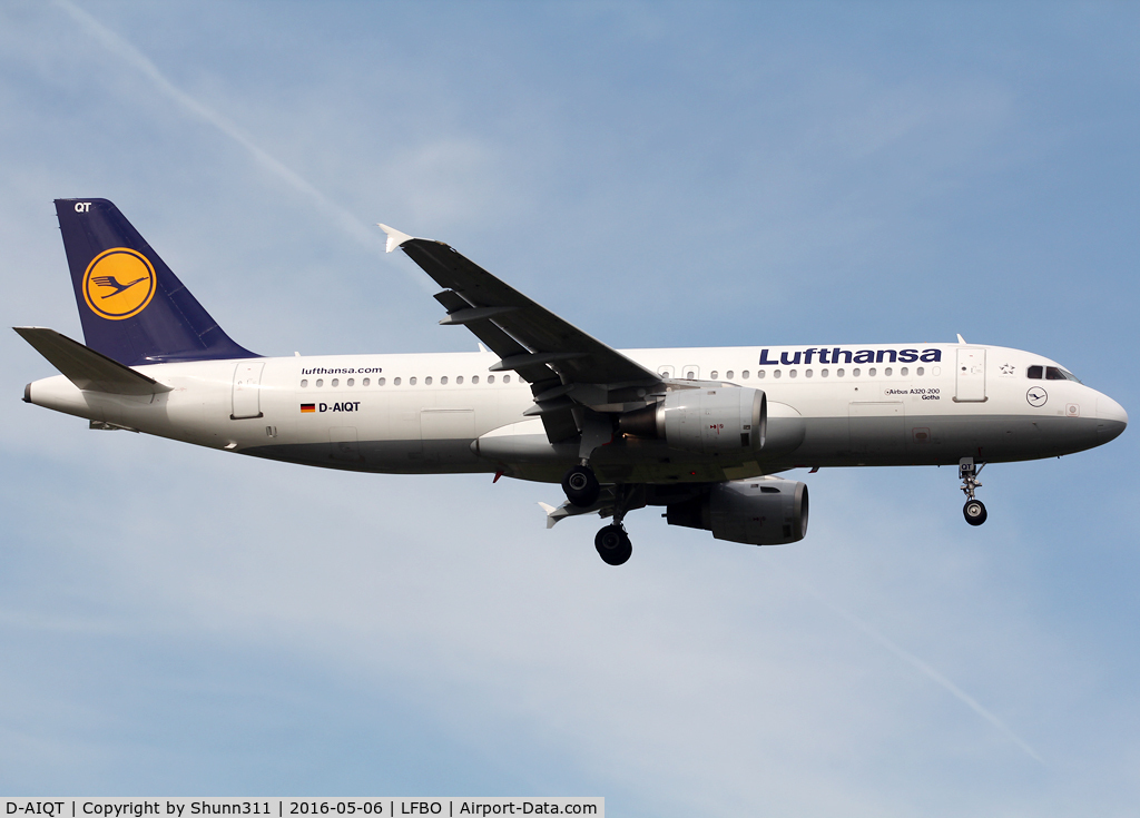 D-AIQT, 2000 Airbus A320-211 C/N 1337, Landing rwy 14R
