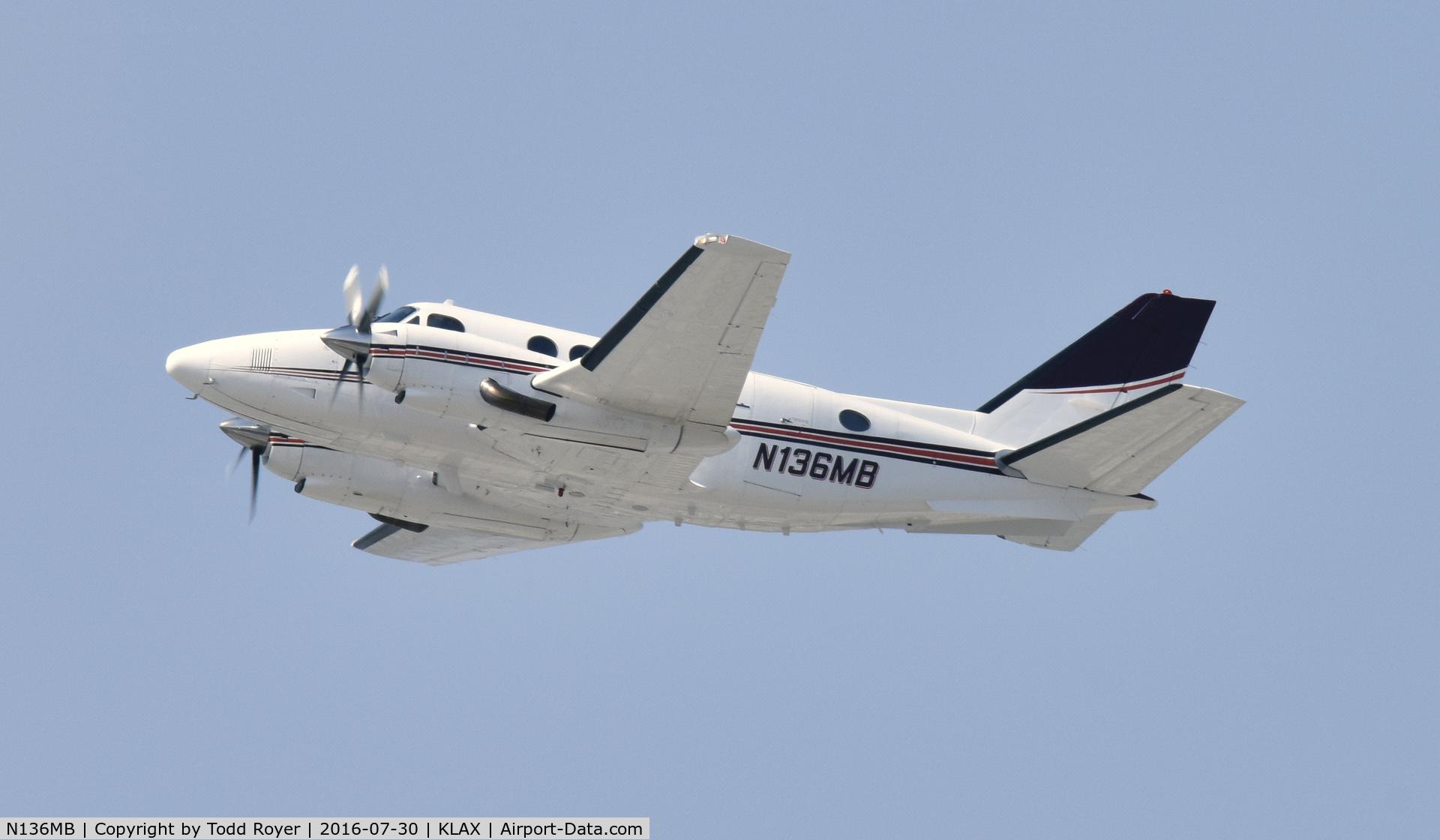 N136MB, 1978 Beech B100 C/N BE-50, Departing LAX