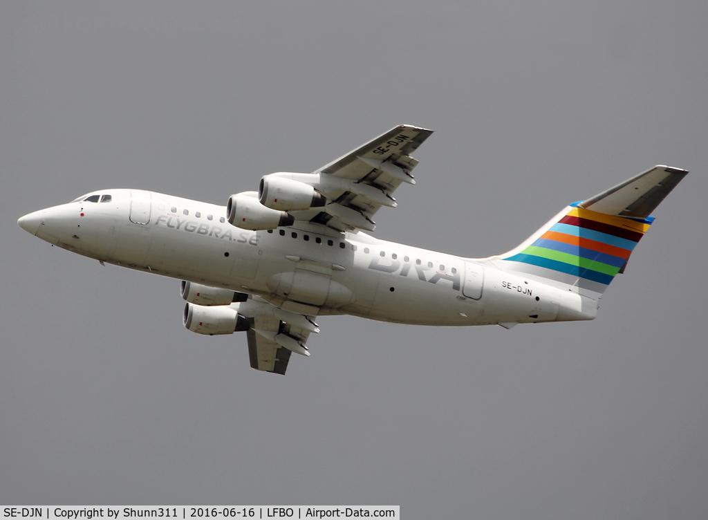 SE-DJN, 1993 British Aerospace Avro 146-RJ85 C/N E.2231, Taking off from rwy 32R