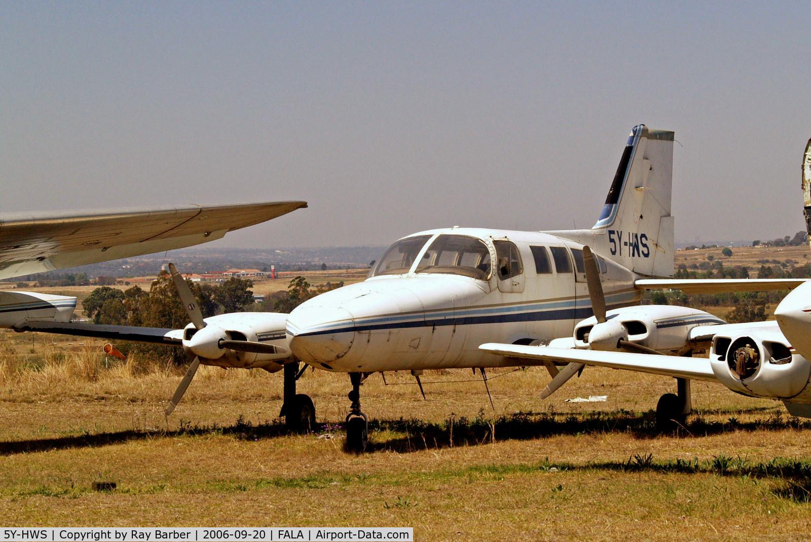 5Y-HWS, Cessna 402B Utiliner C/N 402B0386, Cessna 402B Businessliner [402B-0386] Lanseria~ZS 20/09/2006