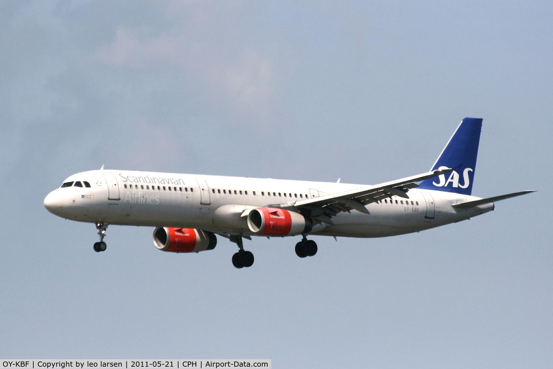 OY-KBF, 2002 Airbus A321-232 C/N 1807, Copenhagen 21.5.11