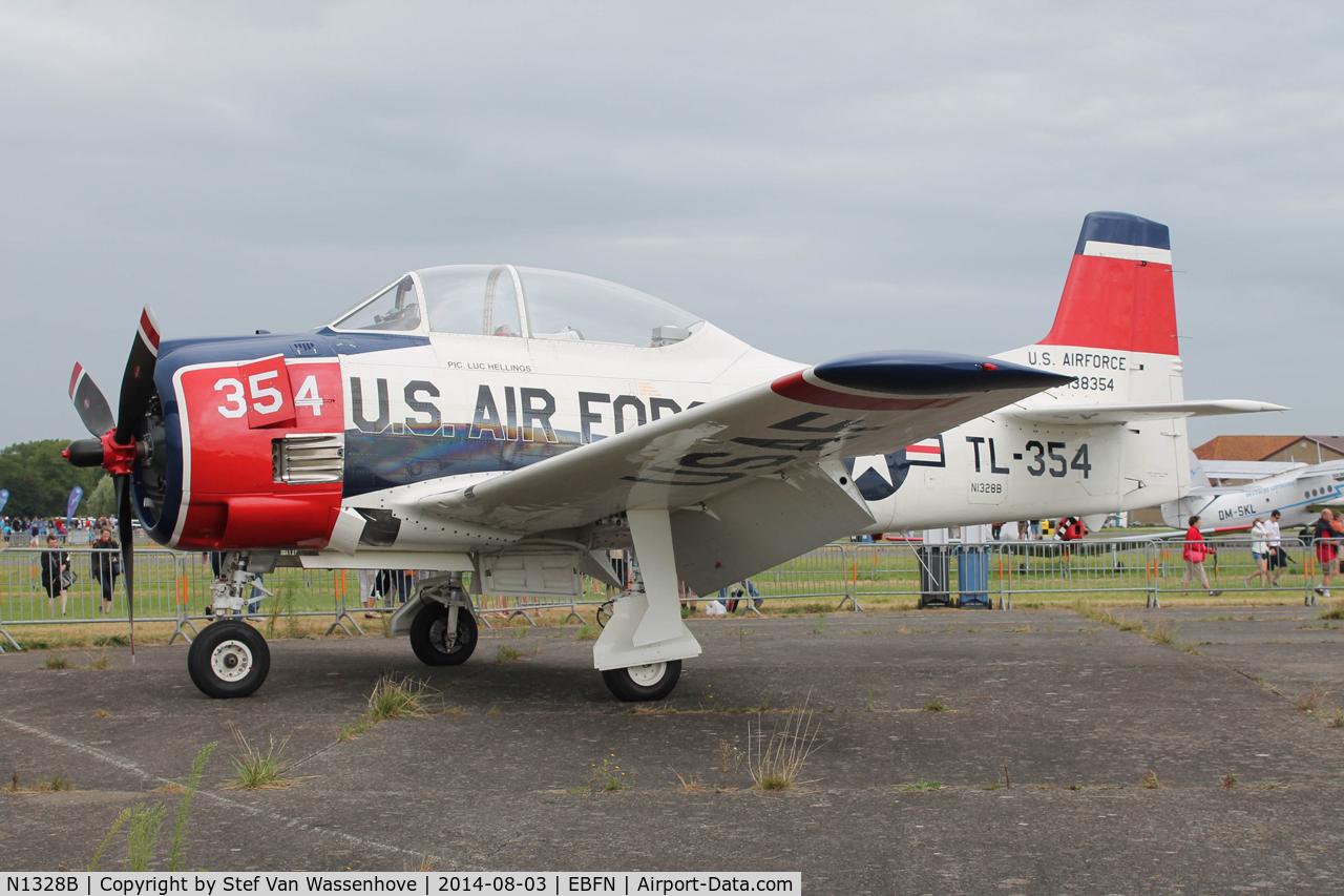 N1328B, 1955 North American T-28B Trojan C/N 200-425, Koksijde Fly-Inn.