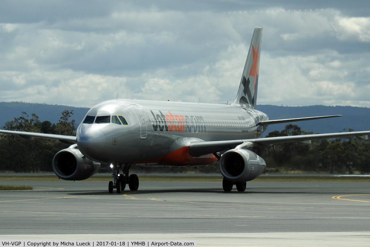 VH-VGP, 2010 Airbus A320-232 C/N 4343, At Hobart