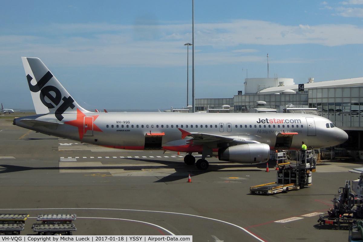 VH-VQG, 2006 Airbus A320-232 C/N 2787, At Mascot