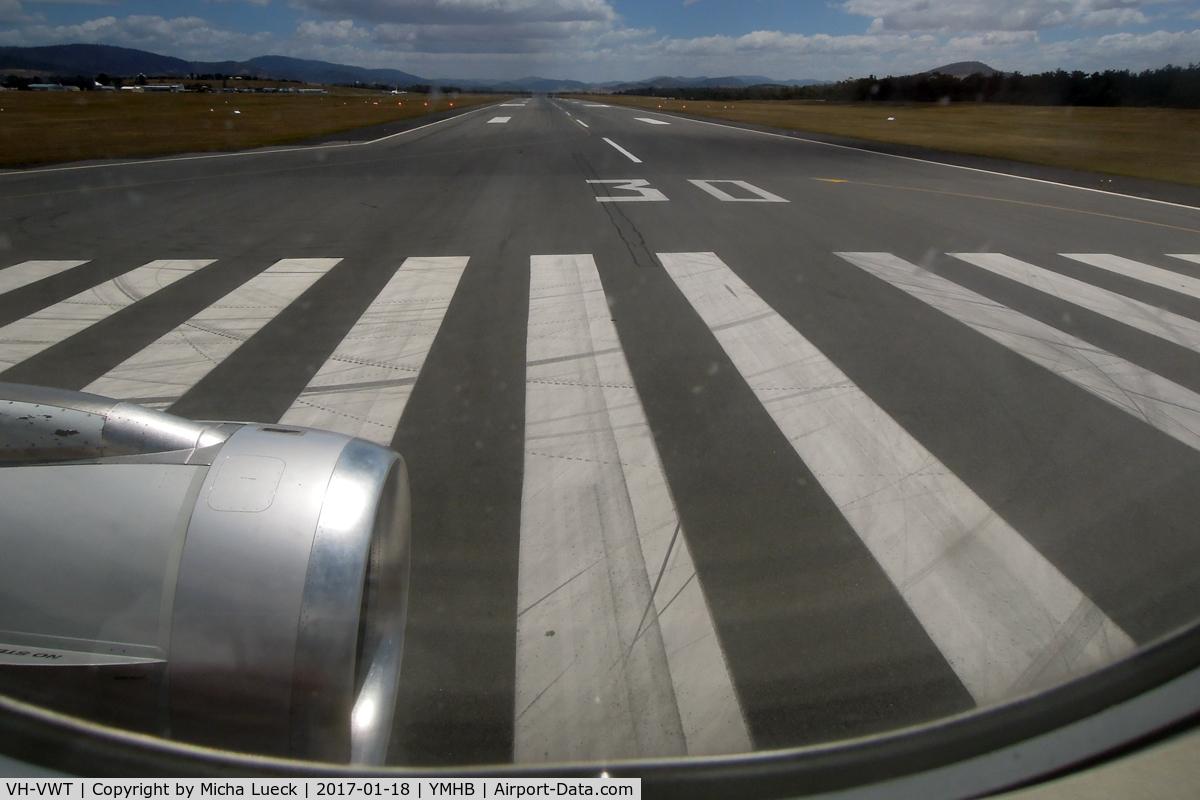 VH-VWT, Airbus A321-231 C/N 3717, Turning onto Runway 30