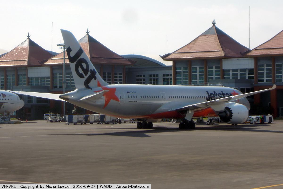 VH-VKL, 2015 Boeing 787-8 Dreamliner C/N 36238, At Denpasar