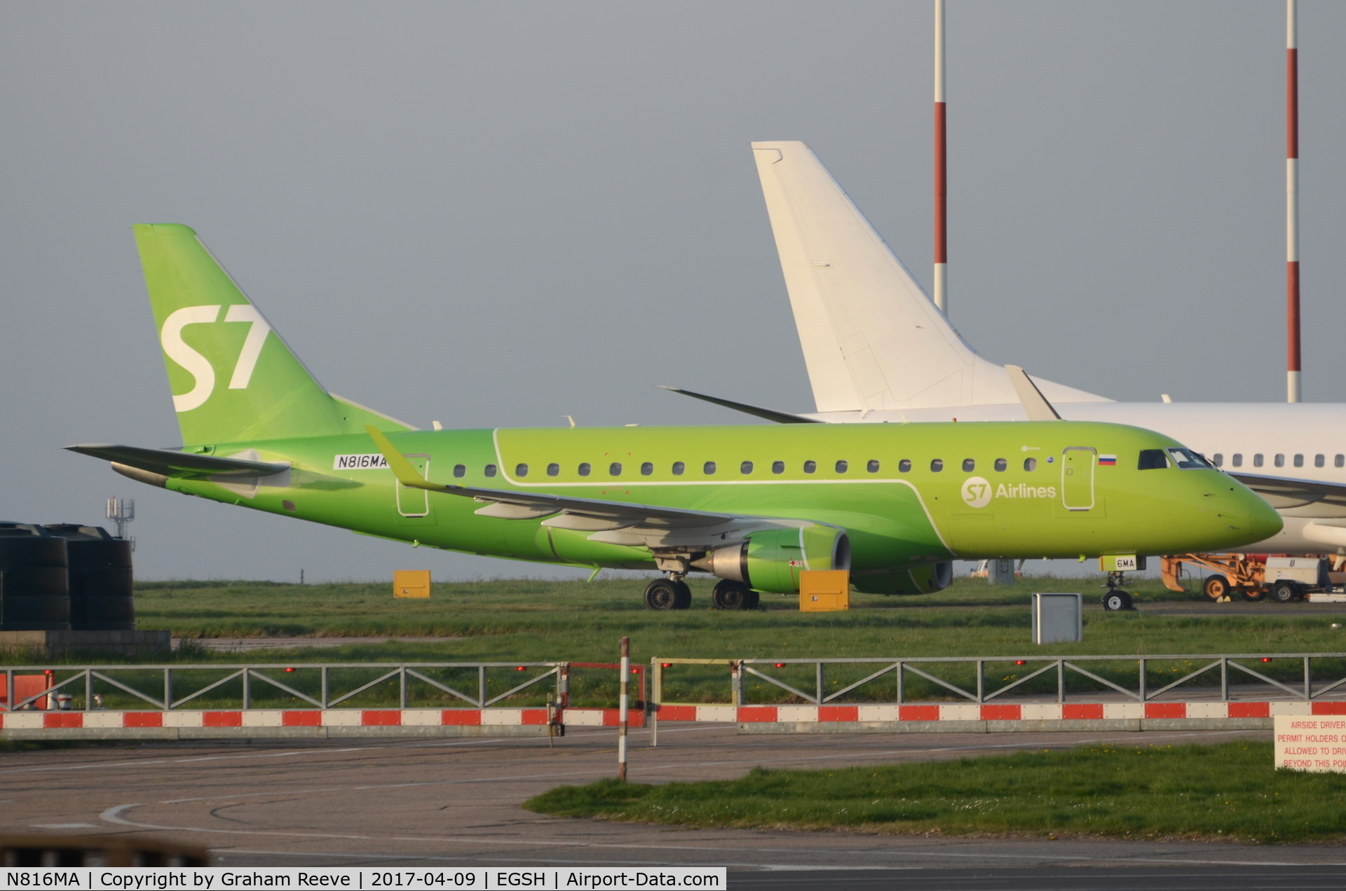 N816MA, 2004 Embraer 170SU (ERJ-170-100SU) C/N 17000037, Just out of paint and in S7 colour scheme.