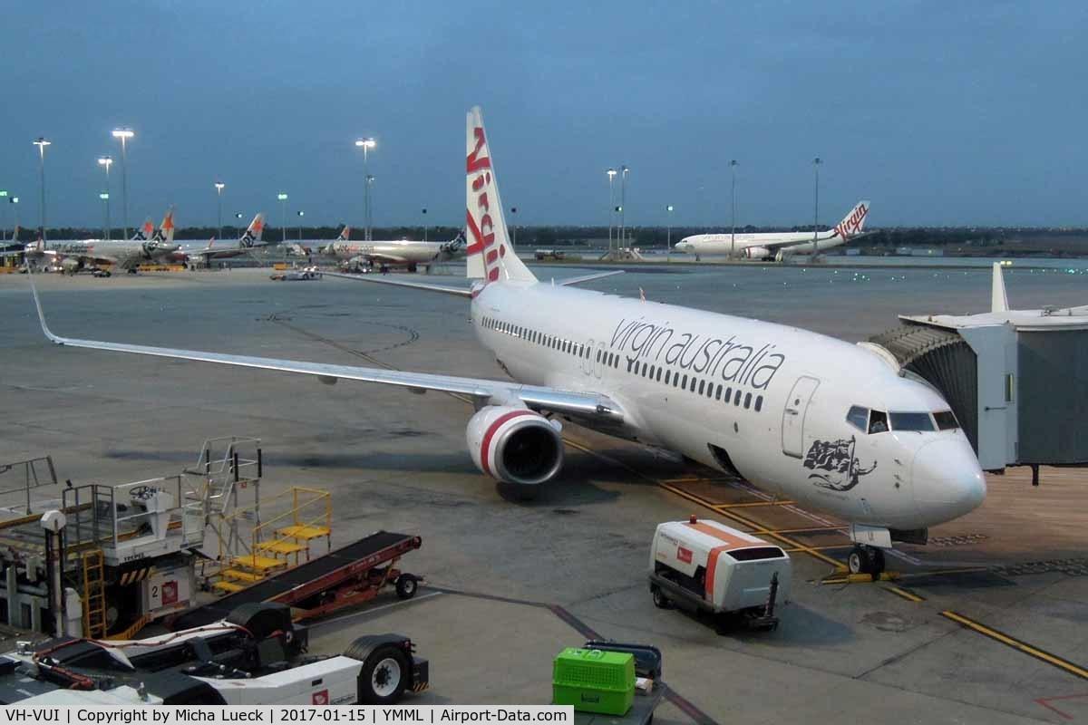 VH-VUI, 2006 Boeing 737-8FE C/N 34441, At Melbourne