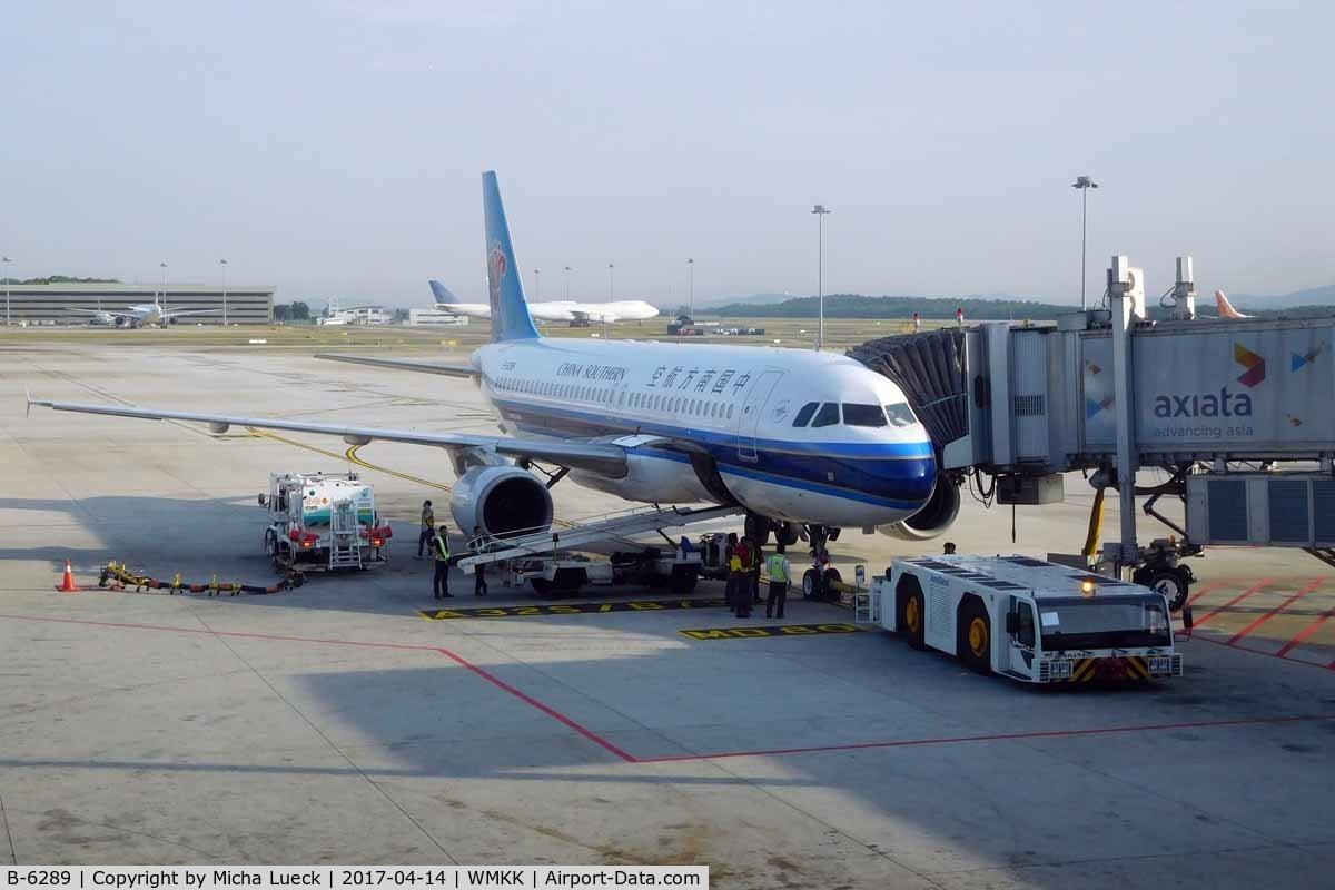 B-6289, 2009 Airbus A320-214 C/N 2861, At KL