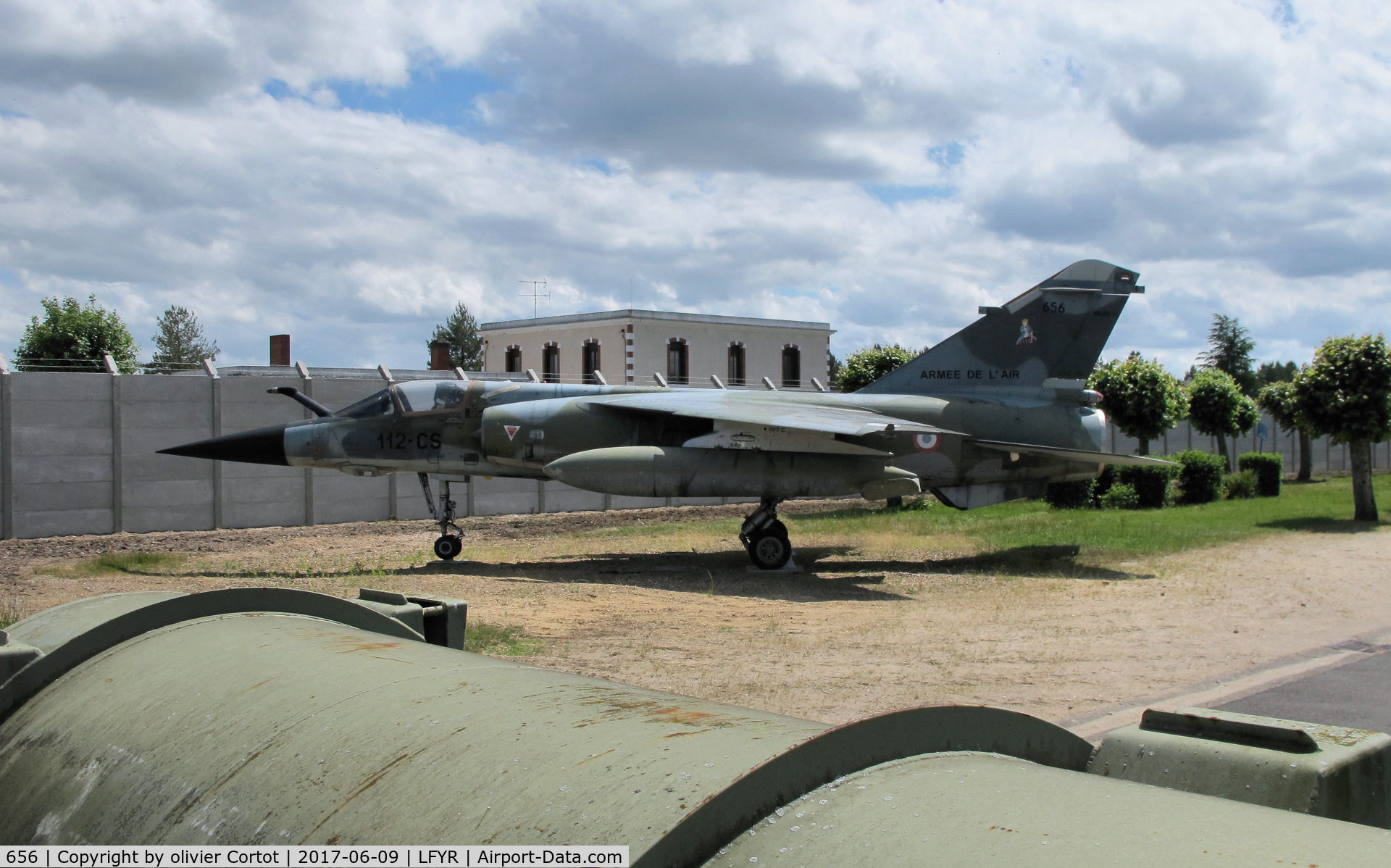 656, Dassault Mirage F.1CR C/N 656, Almost hidden behind walls... why ?
