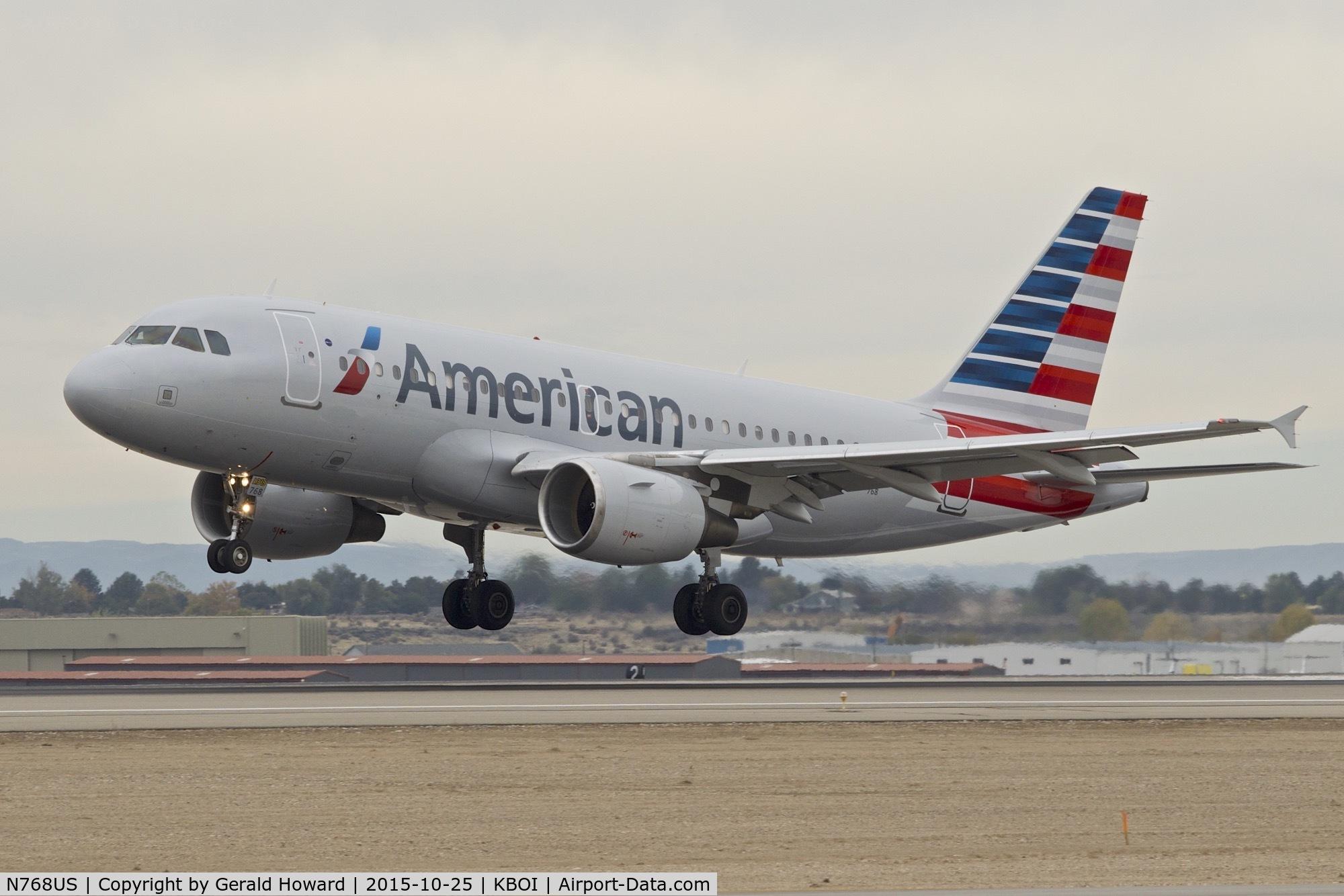 N768US, 2000 Airbus A319-112 C/N 1389, Landing RWY 10L.