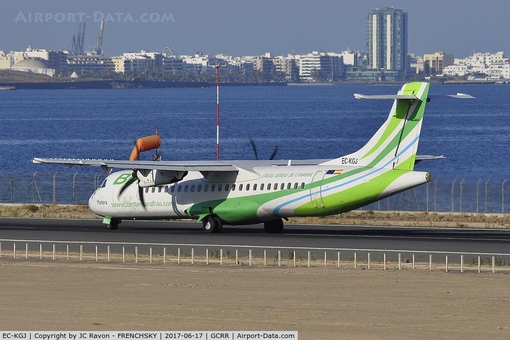 EC-KGJ, 2007 ATR 72-212A C/N 753, Binter Canarias NT505 take off runway 03 to Las Palmas