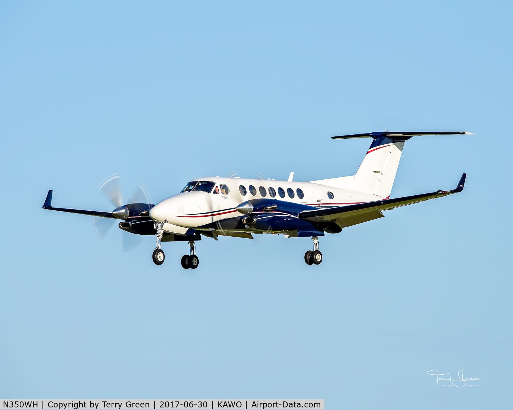N350WH, Raytheon Aircraft Company B300 C/N FL-394, KAWO